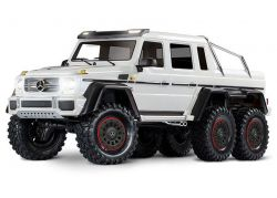 MERCEDES-BENZ G63 AMG 6X6 RTR OHNE AKKU/LADER INKL LICHT 1/10 6WD SCALE-CRAWLER BRUSHED WEISS
